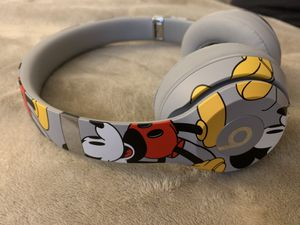 Mickey Mouse 90th Wireless Headphones Beats for Sale in Tustin, CA