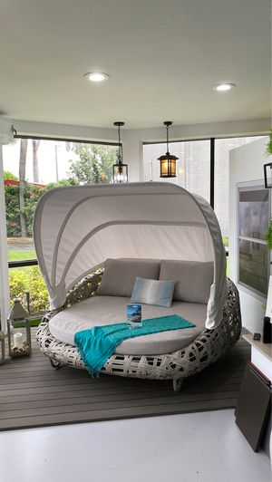 Day bed with Canopy for Sale in West Palm Beach, FL