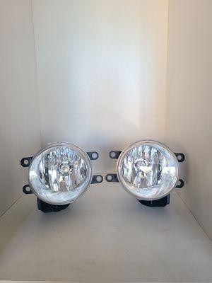 2010- 2020 Toyota 4Runner OEM headlight assemblies and fog lights. for Sale in Lemon Grove, CA
