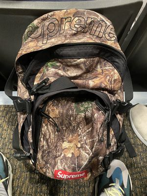 Supreme camouflage camo backpack good condition 100% authentic for Sale in Orlando, FL
