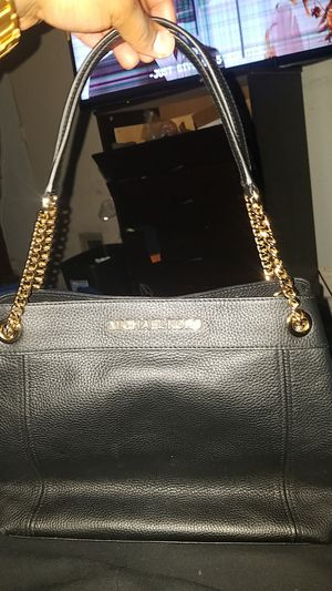 Michael Kors Real for Sale in Moreno Valley, CA