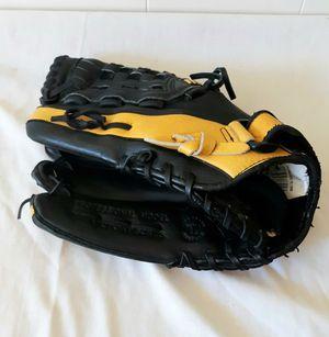Mizuno baseball softball mitt. Left handed thrower for Sale in The Dalles, OR