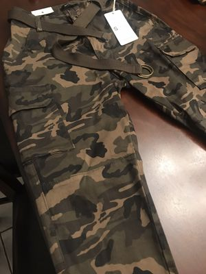 BRAND NEW! Fashionnova Camouflage Cargo Pants Size Small for Sale in Fort Lauderdale, FL