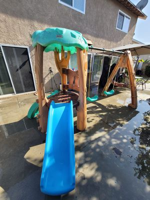 Little tikes swing and slide set for Sale in Artesia, CA