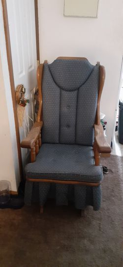 Recliner glider, very good condition. for Sale in Morgantown,  WV