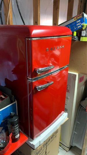 Galanz Retro Fridge Refrigerator in Red for Sale in Fresno, CA