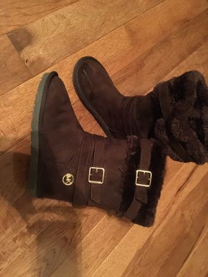 Girls MK boots size 1 for Sale in West Chicago, IL