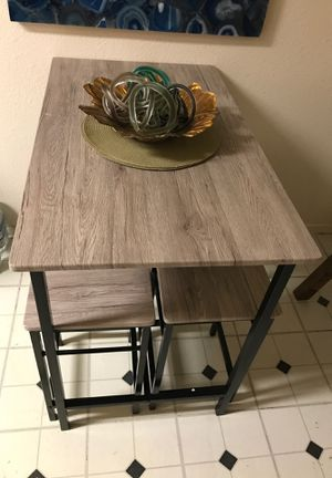 Table with dining 5 pieces ( L100xW60xH87) for Sale in Las Vegas, NV