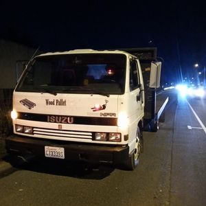 Isuzu Flat Bed 14' for Sale in Vancouver, WA