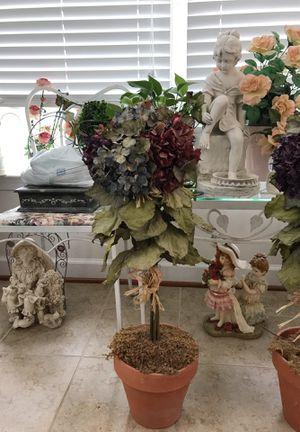 Beautiful Flower 🌺 Pot Decor. for Sale in Gainesville, VA