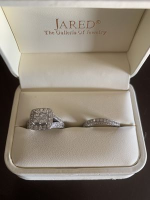 3cttw white gold, size 5.5 wedding ring set for sell. Serious offers only.c for Sale in San Antonio, TX