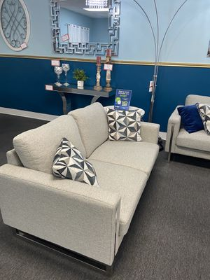 2 pc set (love + sofa) for Sale in Irving, TX