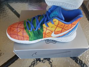 Kyrie 5 Pineapple House GS Size 4Y for Sale in Miami, FL