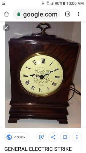 General Electric 6820 Mantle Clock for Sale in Coral Gables, FL