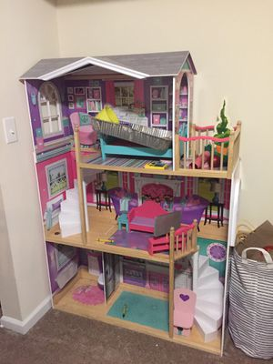 Doll House price is negotiable for Sale in Silver Spring, MD