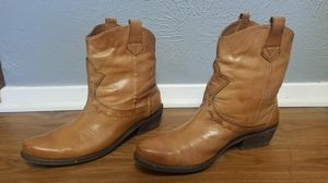Women's leather boots for Sale in Arlington, TX