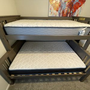 Bunk bed, twin upper bunk and full lower bunk. for Sale in Katy, TX