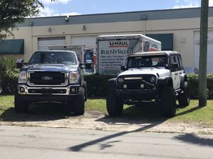 Jeep lift kit suspension parts. Rims and tires for Sale in Miami, FL
