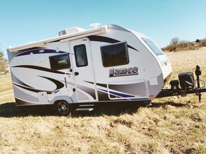 Full price$1000 2017 LANCE / 1575 Perfect Condition! for Sale in Sioux Falls, SD