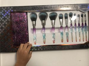 Brush collection cosmetic premium brush set makeup brushes make up brushes for Sale in Fresno, CA