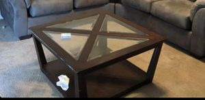 Coffee table comes with matching side table for Sale in Warner Robins, GA