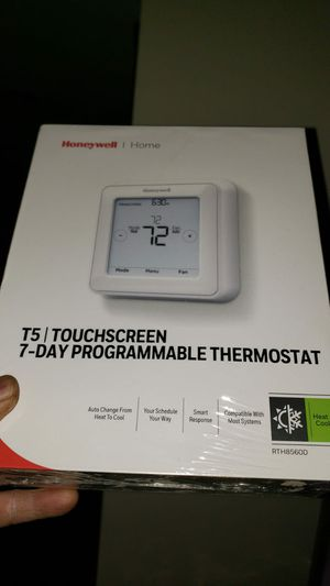 Honeywell 7 day programmable thermostat for Sale in Washington, DC