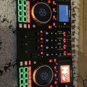 NUMARK NV2 DJ CONTROLLER for Sale in Las Vegas, NV