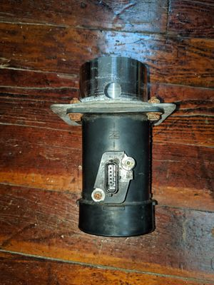 04-08 Nissan Maxima Mass Airflow Sensor / adapter for Sale in Fall River, MA
