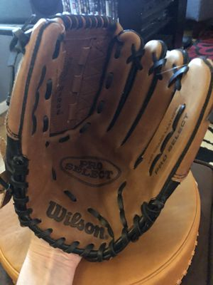 "Wilson Pro Select 12.5"" Softball glove for Sale in Falls Church, VA"