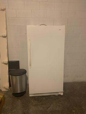 Stand alone refrigerator, for Sale in Orlando, FL