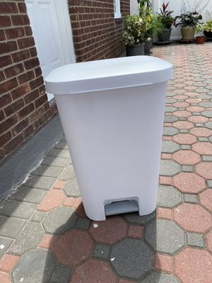 Brand new garbage can for kitchen for Sale in Queens, NY