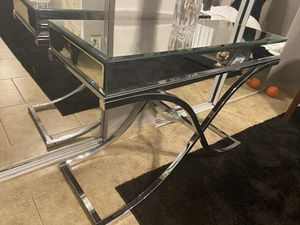 Entry table for Sale in Delano, CA