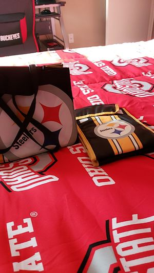 Steelers purse and small cooler for Sale in Grove City, OH