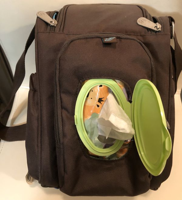 FISHER PRICE INSULATED BABY BOTTLE BAG (Brown)( BOTTLES, pacifier, wipes, pampers, accessory , diaper bag..etc...)