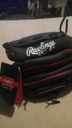 Rawlings left hand baseball glove for Sale in Indianapolis,  IN