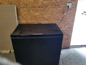Freezer (to pick up) for Sale in Pawtucket, RI