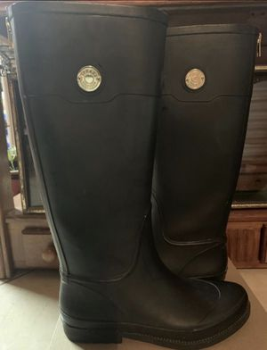 7 1/2 Rain Boots Gently Used for Sale in Garland, TX
