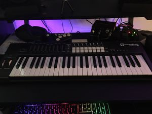 NOVATION LAUNCHKEY 49 MKII for Sale in Downey, CA