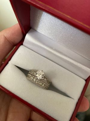 18k white gold engagement/wedding ring set for Sale in San Diego, CA