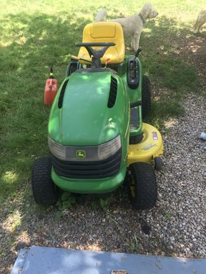John Deere L108 Lawn Tractor with bagger for Sale in Holliston, MA