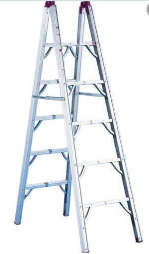 RV Portable Folding 6' Ladder for Sale in Auburn, WA