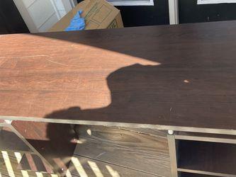 FREE Office desk (Free Come Pick Up) for Sale in Jonesboro,  GA
