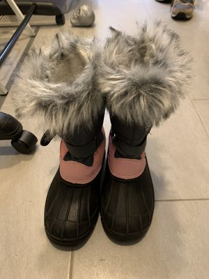 Girls snow boots size 3 (barely worn, great condition) for Sale in San Carlos, CA