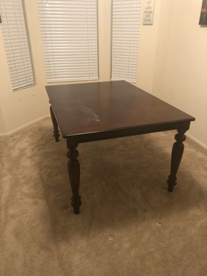 Brown dining room table - great condition! for Sale in New Brunswick, NJ