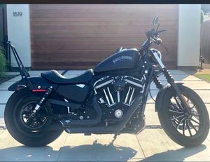 Harley Davidson motorcyle 883 Iron for Sale in Los Angeles, CA