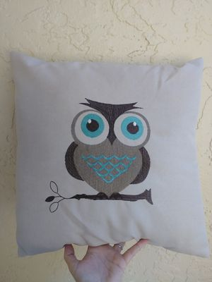 Cute Owl throw pillow for Sale in Fort Myers, FL