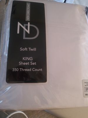 New Directions king sheet set for Sale in High Point, NC
