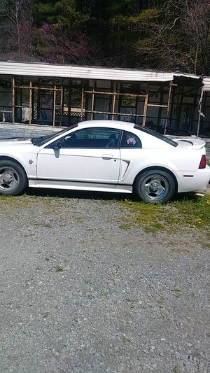 Ford mustang 1999. V 6 motor for Sale in Bristol, VA