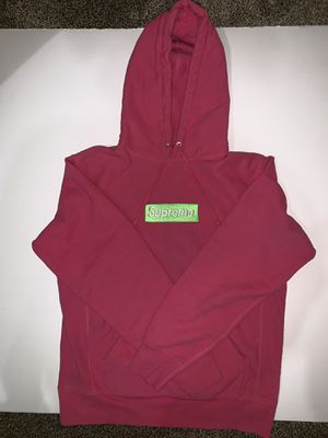 "Supreme (fw17) ""Magenta"" Box Logo Hoodie for Sale in Solon, OH"