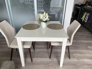 Beautiful square table and chairs!!! for Sale in Seattle, WA